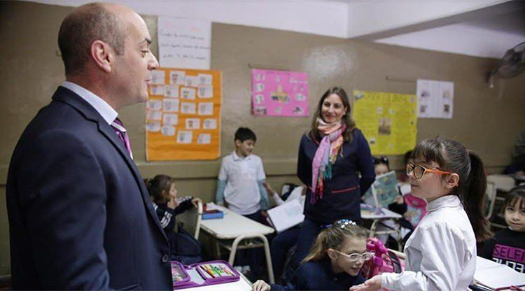 Mejoran la conectividad en la Escuela José Mármol