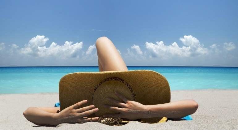 Cáncer de piel, autoexploración para prevenir y seis falsos mitos sobre la exposición solar