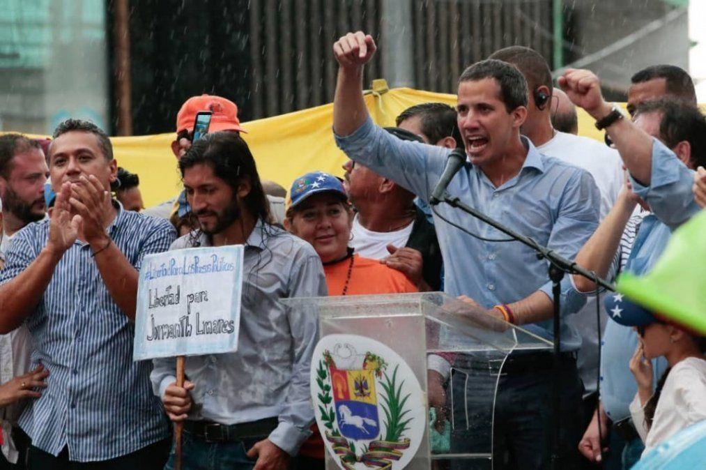 Guaidó pedirá una investigación imparcial por malversación de fondos