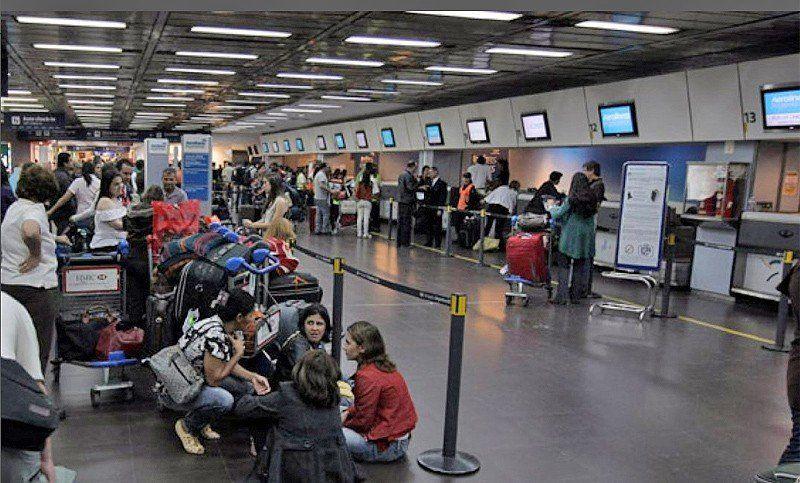 Segundo día de conflictos en Aeroparque: vuelos de Tucumán en suspenso