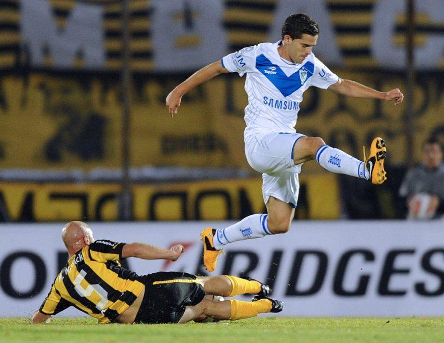 Gago se incorpora a Vélez para ver si puede volver a jugar