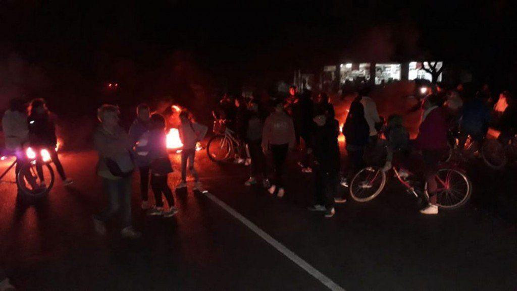 Miles de usuarios siguen sin luz en La Plata