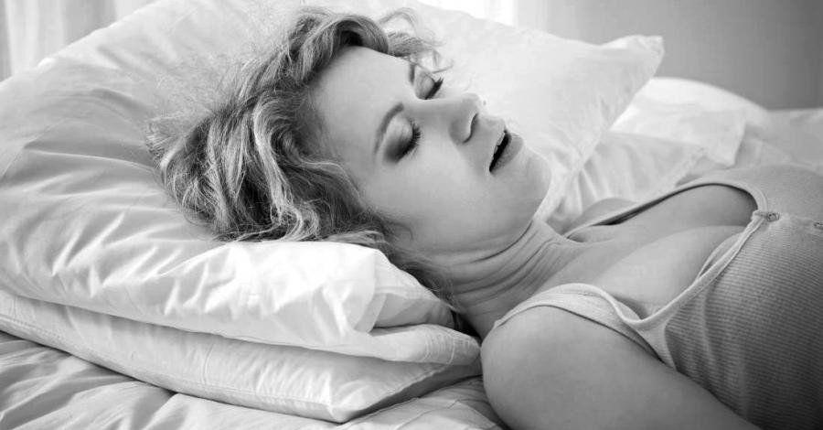Las mujeres que roncan podrían tener más riesgo de enfermedades cardíacas