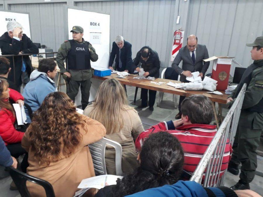 La Junta Electoral superó las 400 urnas escrutadas en le Sección Oeste