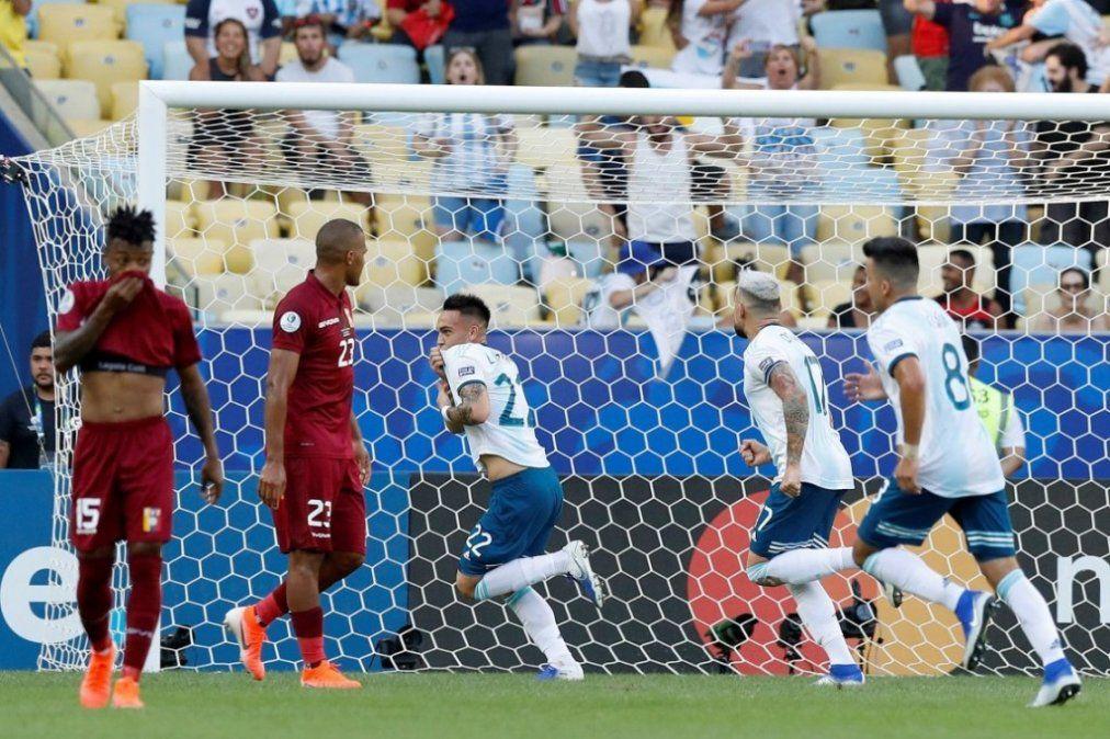El taco de Lautaro para el 1-0 de Argentina ante Venezuela