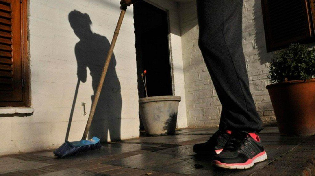 El salario de empleados de casas particulares aumentará un 30%