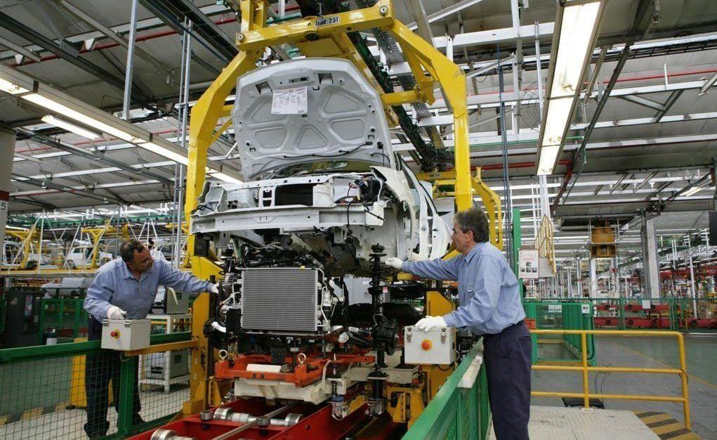 La producción automotriz cayó casi un 40% interanual en junio