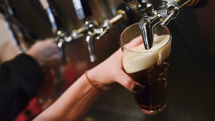 Bromatología advirtió sobre cervezas no aptas para el consumo en Tucumán