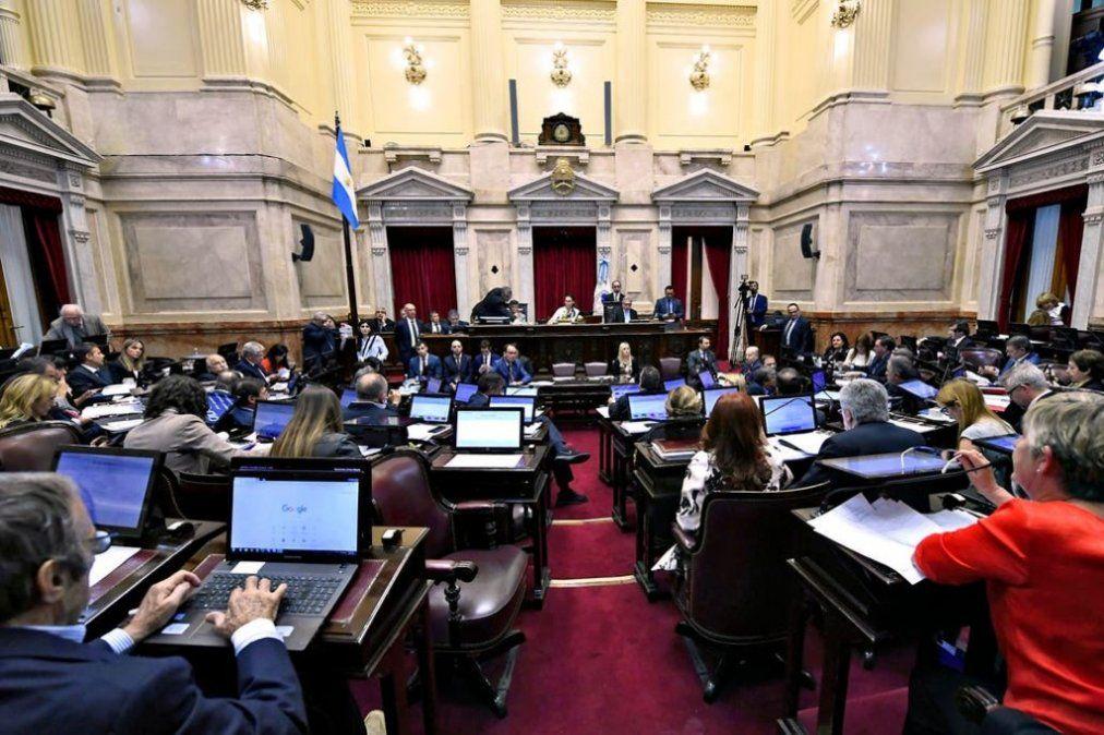 Prohíben a senadores canjear pasajes por dinero desde el 1° de julio