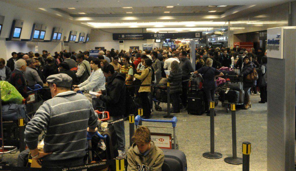 Medida gremial genera demoras en los vuelos
