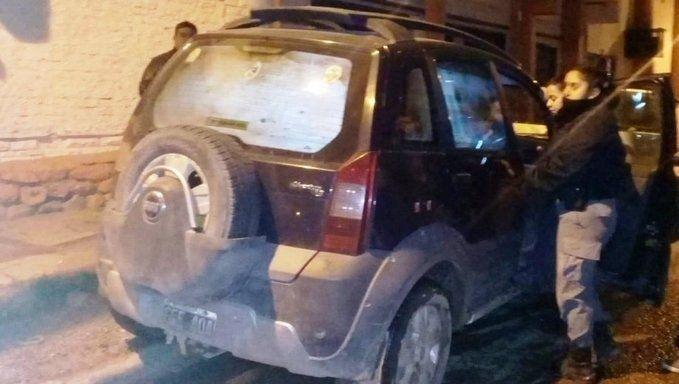 Neuquén: dejaron a sus dos hijos en el auto para irse a bailar