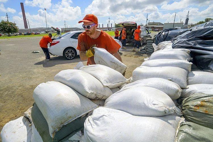 Barry se acerca a Luisiana y amenaza con convertirse en huracán