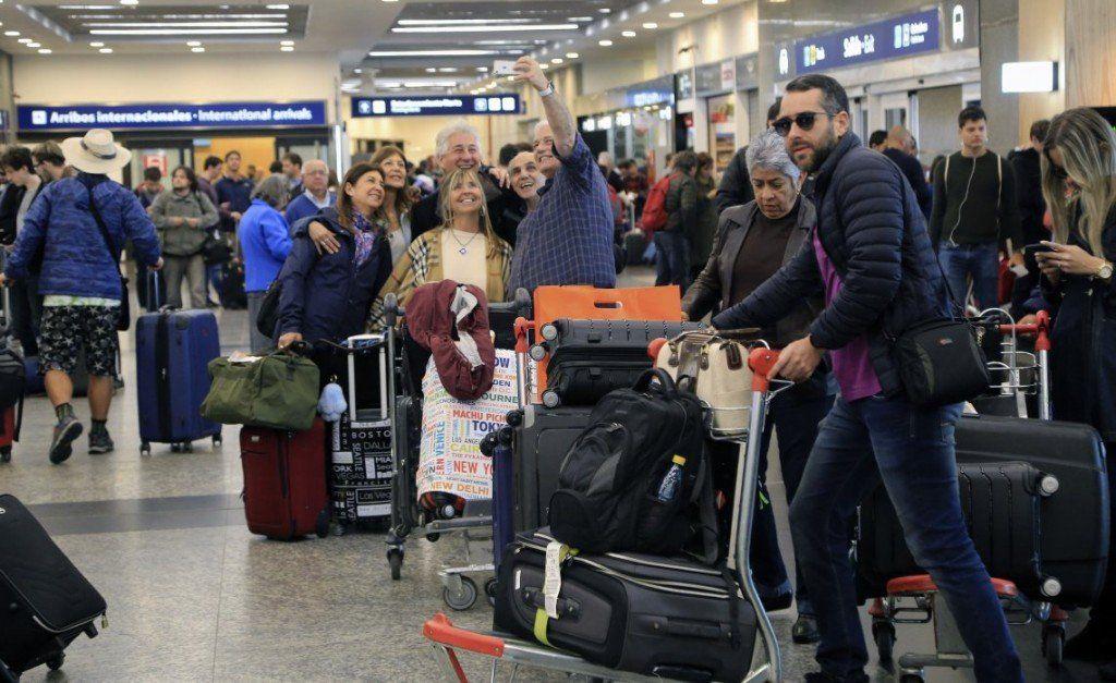 Vuelos cancelados, demorados y desviados en Ezeiza, Aeroparque y El Palomar