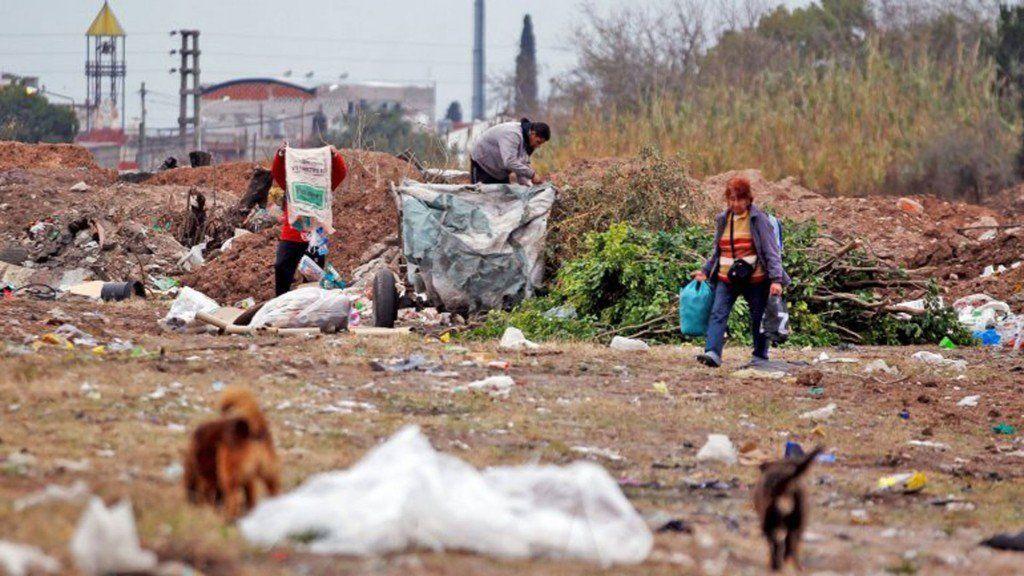 Aumentó la pobreza en el país y se acerca al 35%, según la UCA