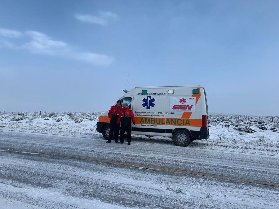 Neuquén: la nieve bloquea pasos fronterizos y rutas nacionales
