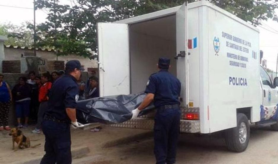 Vecinos alertaron por un olor nauseabundo: hallaron un cadáver