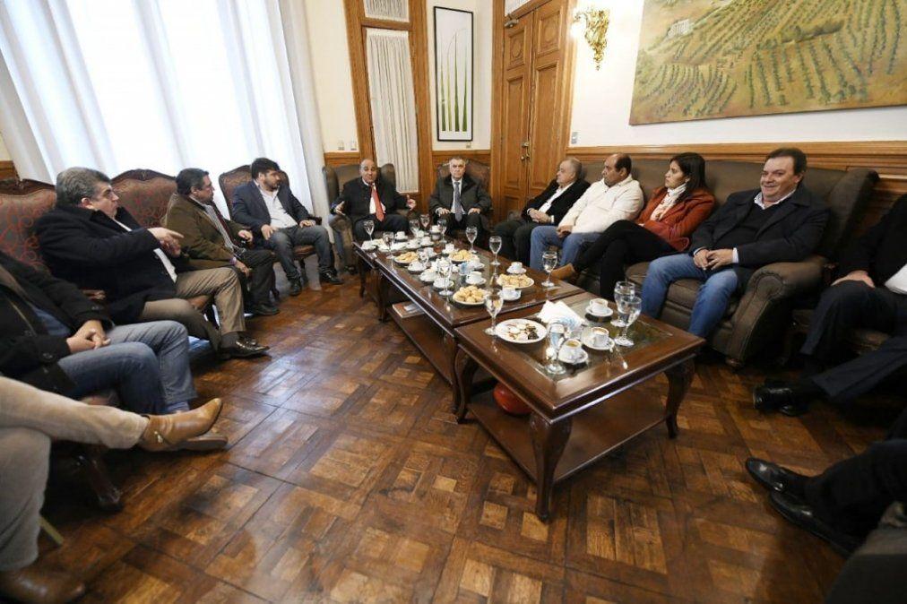 Manzur se reunió con intendentes para definir el trabajo de las PASO
