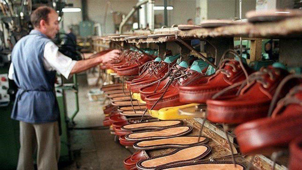 El bajo consumo y las importaciones ponen en una situación límite a la industria del calzado
