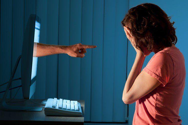 Por primera vez un hombre irá a juicio por acosar a través de redes sociales