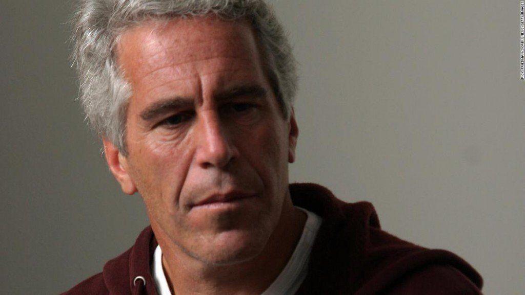 Hallaron muerto al multimillonario Jeffrey Epstein en su celda