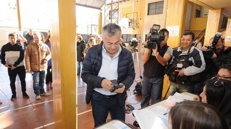 Alfredo Cornejo se olvidó el DNI y no pudo votar