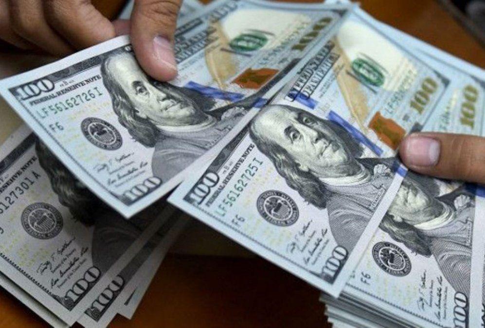 Tras el resultado de las PASO, el dólar sube y se vende en torno a los $60