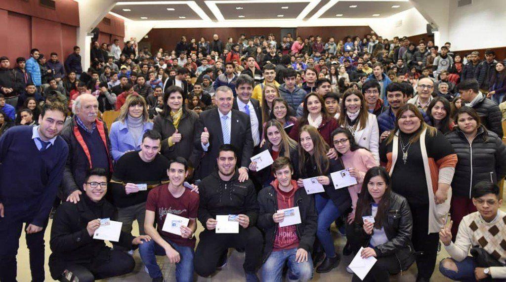 Jaldo entregó el Boleto Estudiantil Gratuito en la UTN