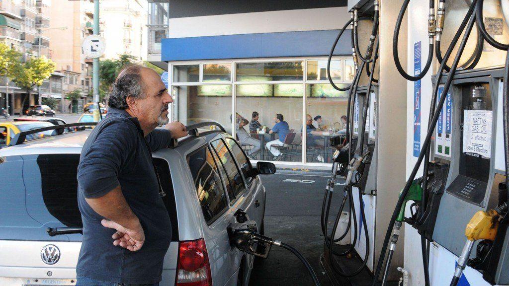 Negociarán con petroleras por el congelamiento del precio de las naftas