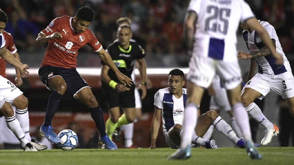 Independiente sufrió pero le ganó un partidazo a Talleres