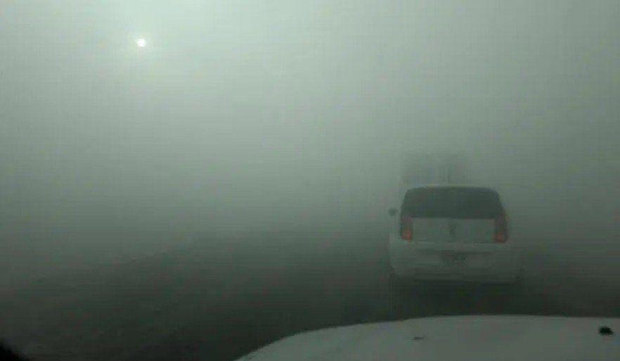 Quema de cañaverales: el humo impidió la visibilidad en la Ruta 306