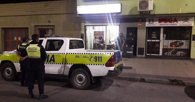 Detuvieron a un delincuente que atacó a tiros a un hombre y a su sobrino en Villa Luján
