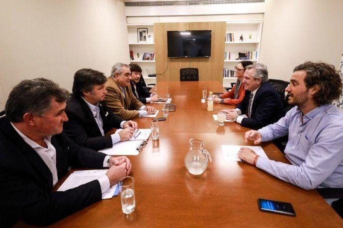 Fernández con la Mesa de Enlace: coincidencias y el compromiso de trabajar con agenda abierta