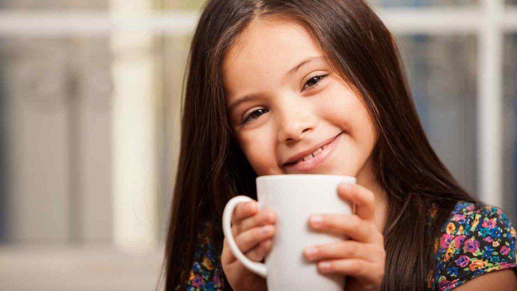 ¿Es verdad que el café retrasa el crecimiento de los chicos?