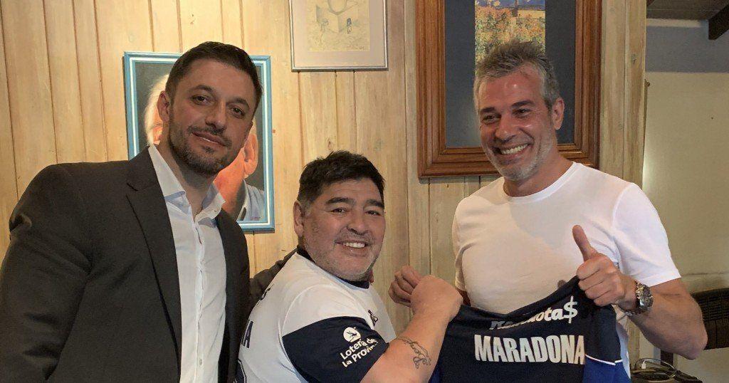 Gimnasia lo hizo oficial: Diego Armando Maradona es su nuevo DT