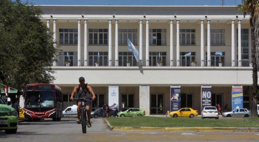 En un precedente histórico, la Universidad Nacional de Córdoba aprobó el uso del lenguaje inclusivo