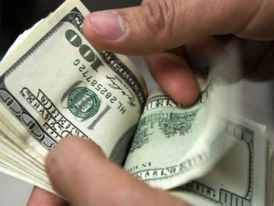 The Wall Street Journal sugirió a Macri dolarizar la economía
