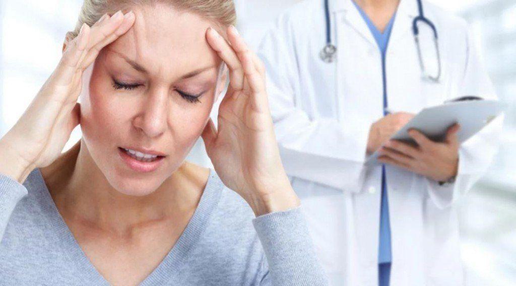 Dolor de cabeza frecuente: la mayoría se automedica y no consulta al médico