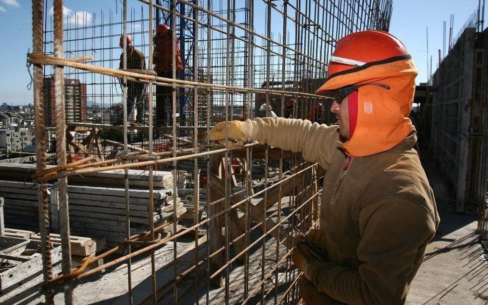Un informe señala que la construcción privada cayó 7,5% en agosto