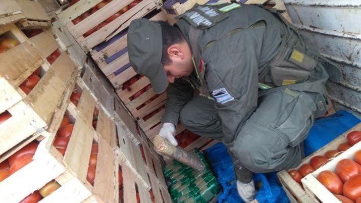 Secuestran 408 kilos de cocaína ocultos entre cajones de verduras