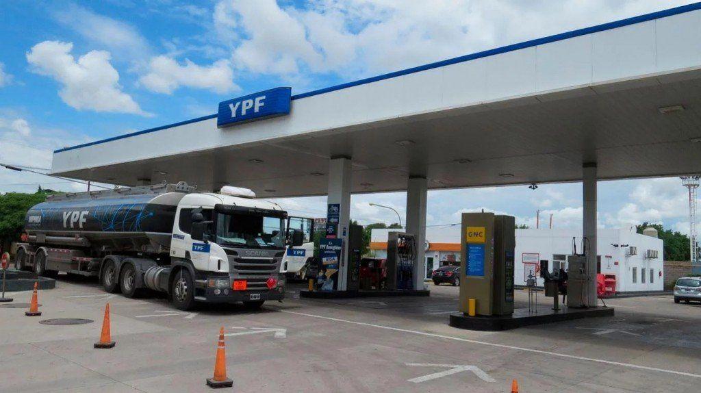 Normal abastecimiento de combustibles en estaciones de servicio