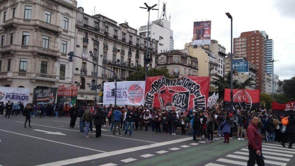 Heridos y detenidos por el avance policial contra manifestaciones en Capital Federal