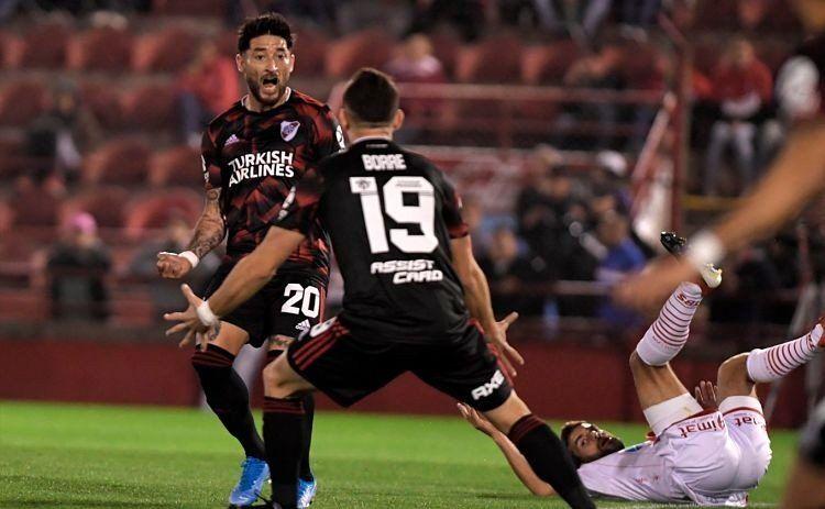 Superliga: River goleó 4 a 0 a Huracán en el Ducó