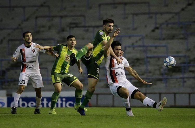 Superliga: Patronato le igualó sobre el final a Aldosivi