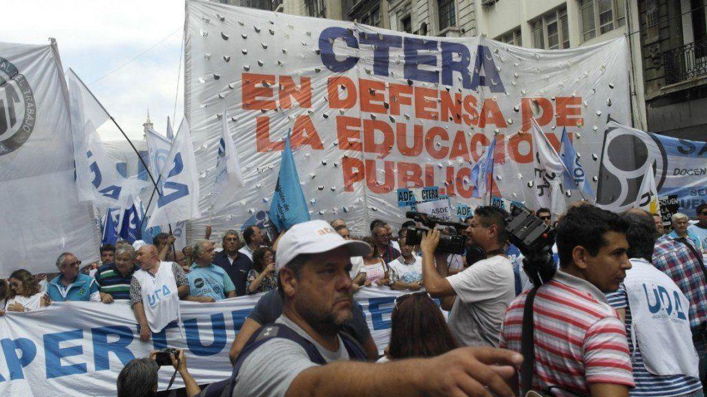 Ctera anunció un paro docente para el jueves en todo el país