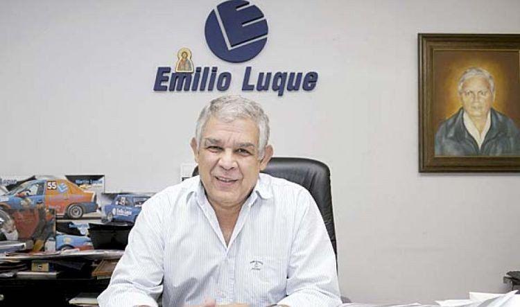 El empresario Emilio Luque adelanta la venta de algunos supermercados