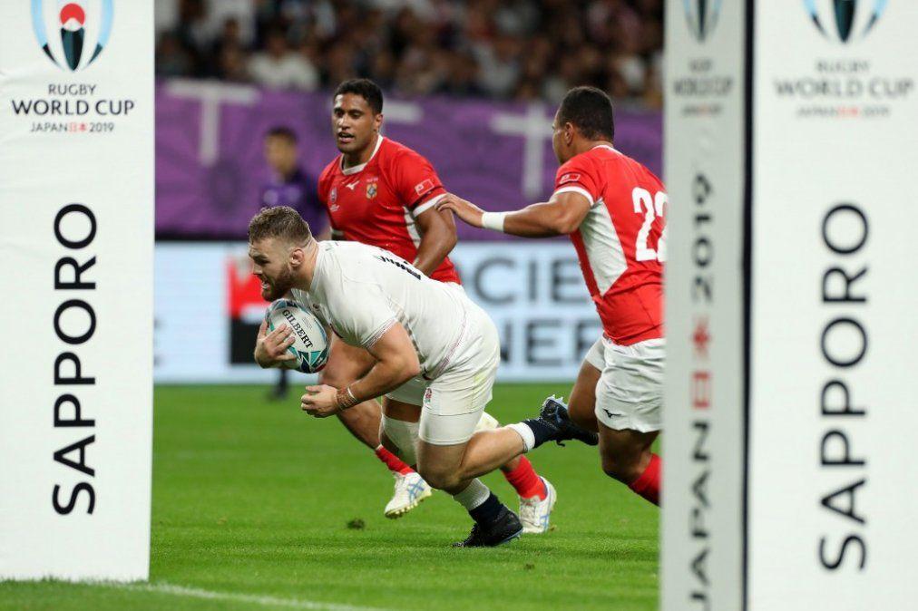 Inglaterra cumplió y venció a Tonga con punto bonus