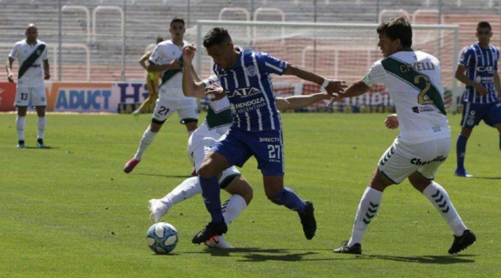 Banfield venció 2-0 a Godoy Cruz en Mendoza