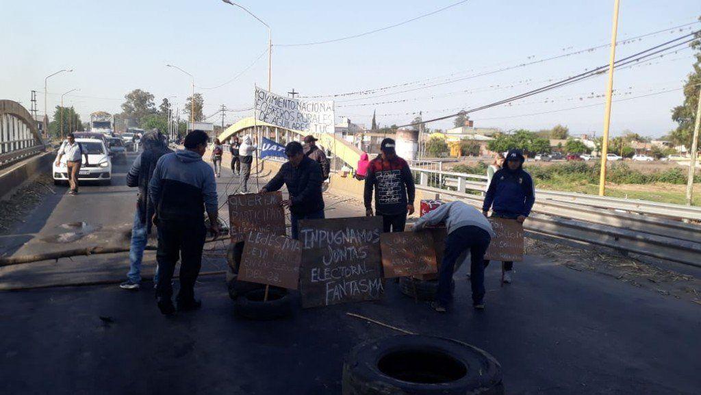 Trabajadores de UATRE cortaron la ruta 38 por irregularidades en las elecciones