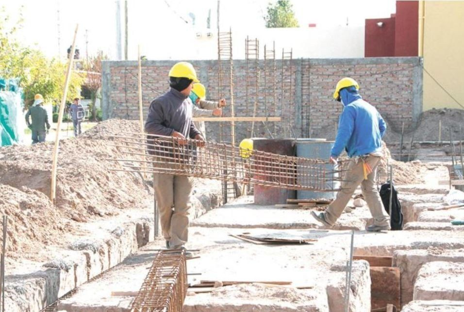 Empresas constructoras ponen en duda el pago del bono de 5000 pesos