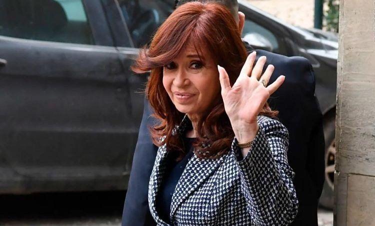 La salud de Florencia: Cristina Kirchner viajará a Cuba